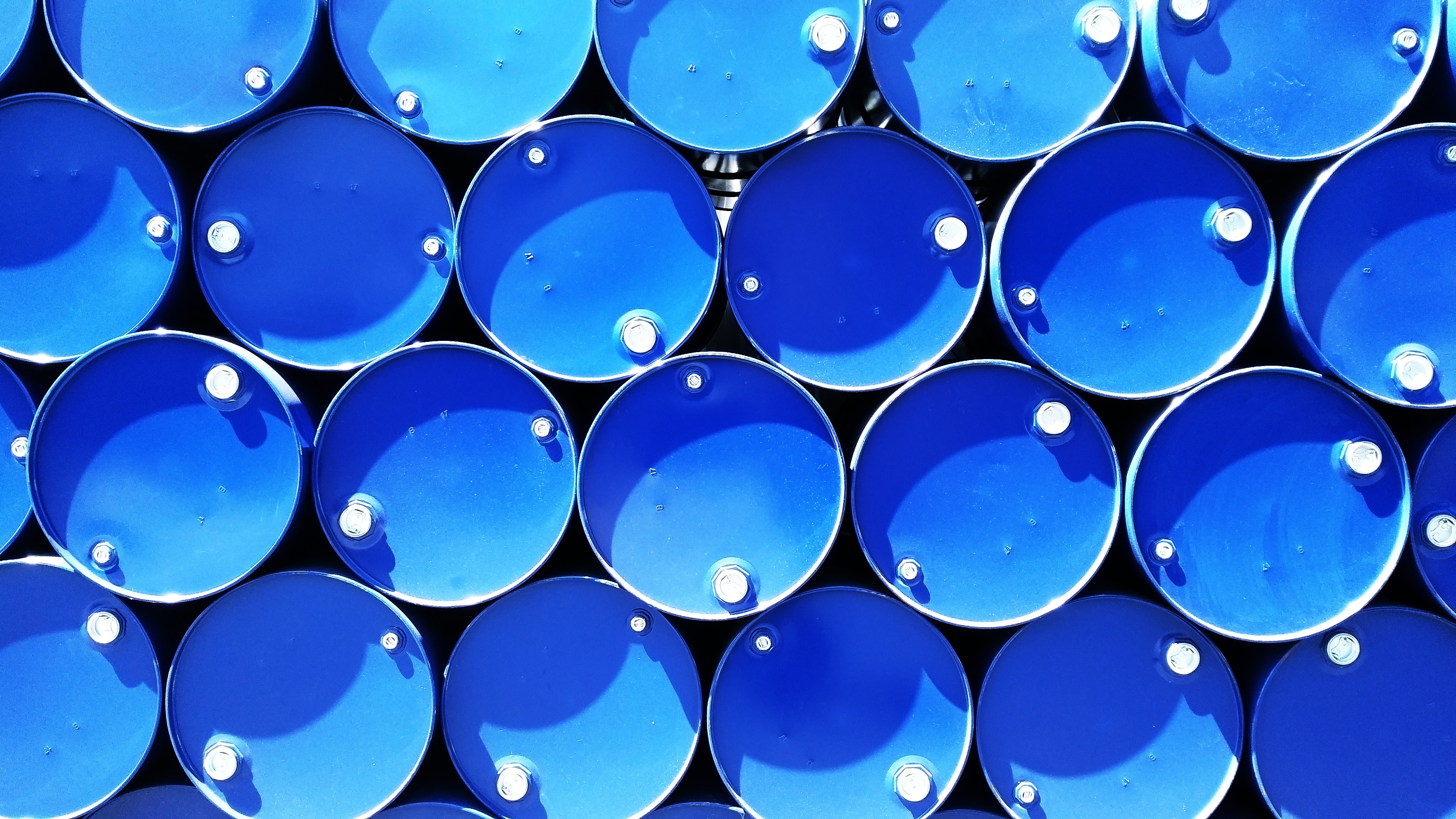 blue-containers-drums-615670